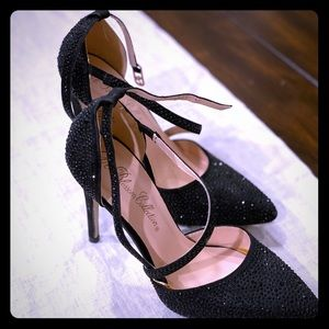 Formal heels with rhinestone